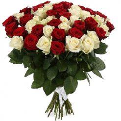 фото букета 51 красная и белая роза