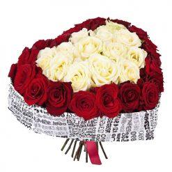 фото товара 51 роза в форме сердца