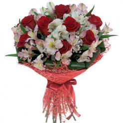 Букет «Коррида» альстромерии и розы фото букета