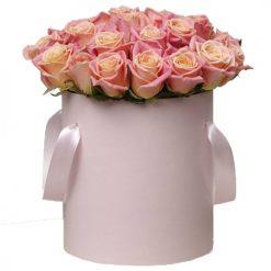 Шляпная коробка «Нежные чувства» розовые розы